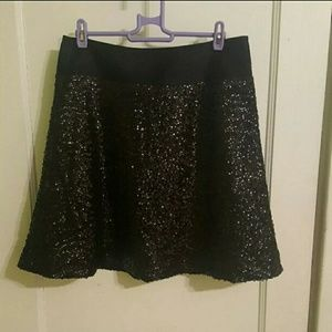 😍😍 The Limited S Black Sequined Skirt Worn Once!
